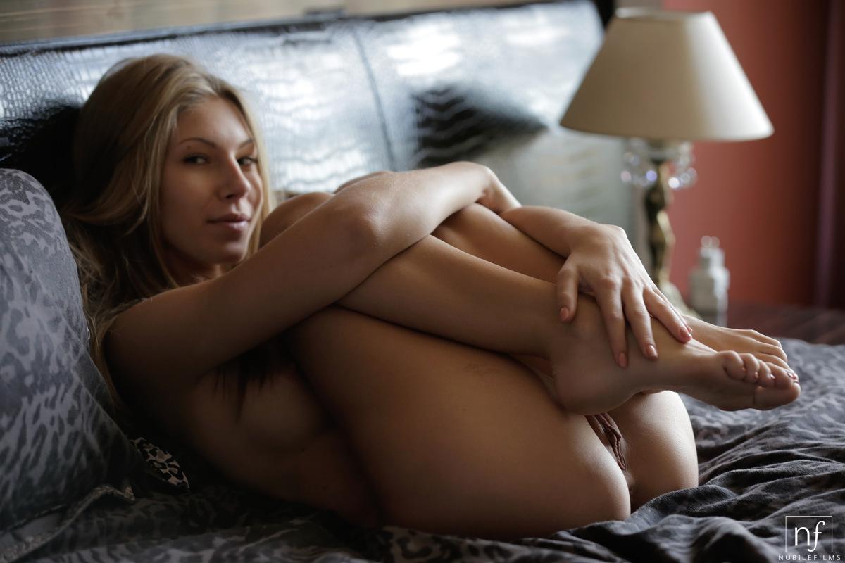 Smoking hot female vampirepics erotic photos