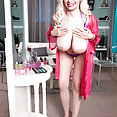 Holly The LIving Doll - image