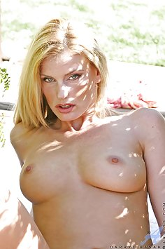 Hot Wife Spreads Outdoors