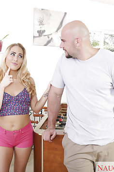 Carter Cruise Loves To Play Dirty